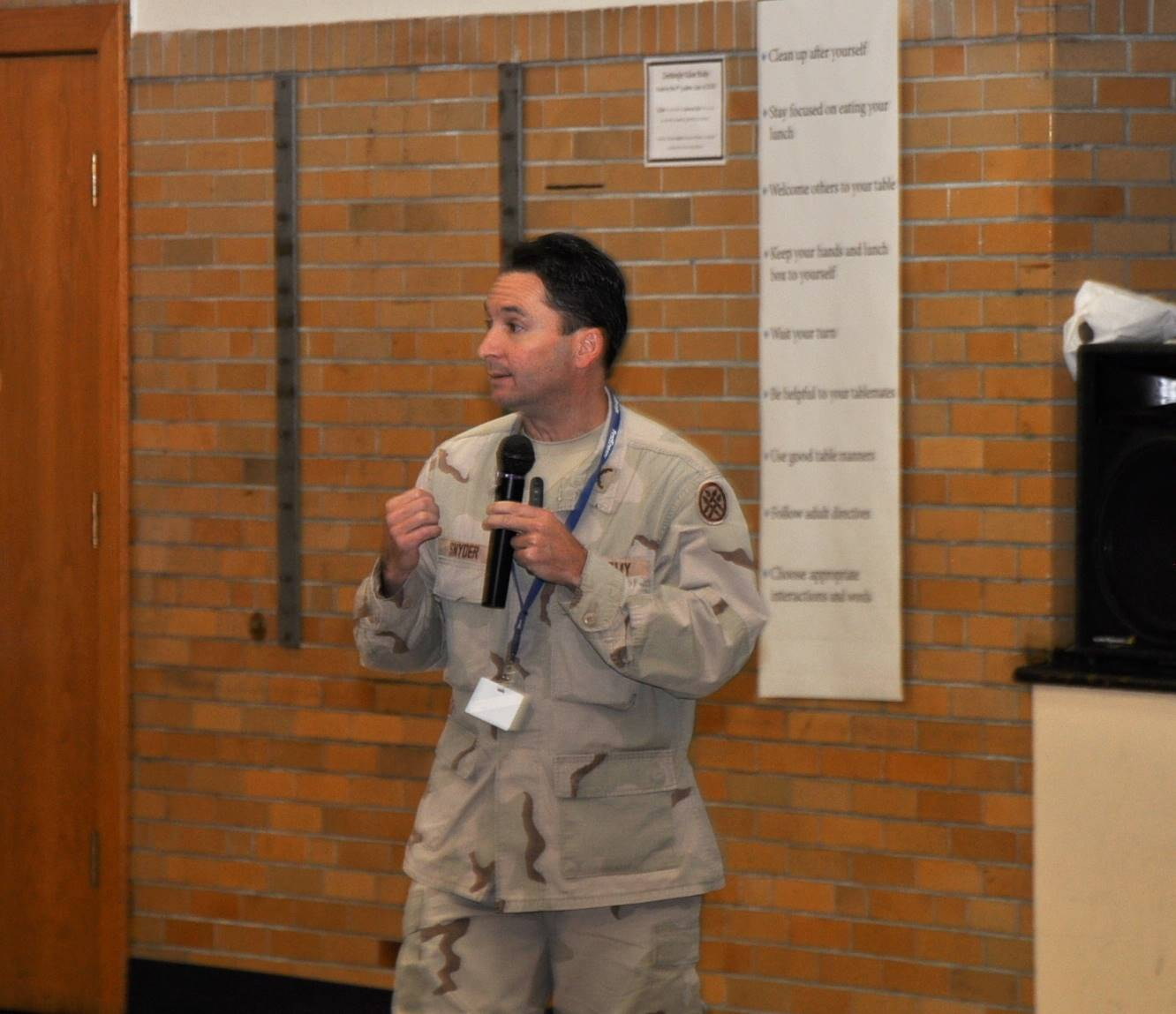 Veteran speaks to KES students.